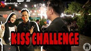 Video CHALLENGE PERMEN KISS | HBVLOG#1 MP3, 3GP, MP4, WEBM, AVI, FLV Desember 2018