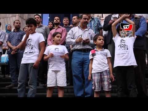 أبناء الصحفيين «المعتقلين» يتزعمون الهتاف أمام «النقابة»