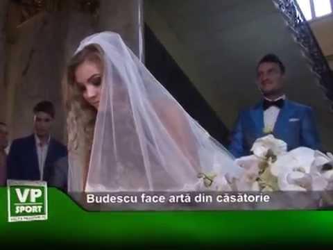 Budescu face artă din căsătorie