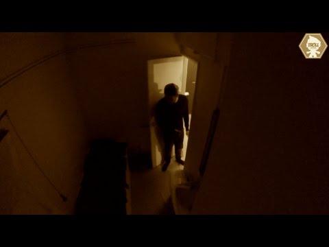 接到電話就來到男子住家的妓女...,完全沒想到一踏進浴室後
