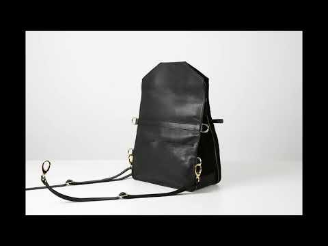 The 5-in-1 Bo Bardi bag, Bukvy