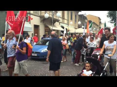 In piazza contro l'inceneritore: Follonica manifesta per dire No all'impianto