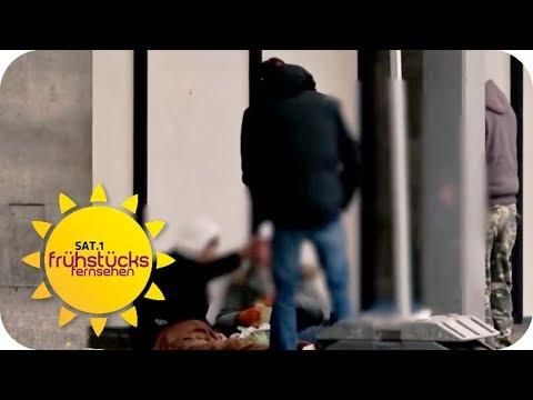 PROBLEMVIERTEL Bahnhof Zoo: OBDACHLOSE hinterlassen ...