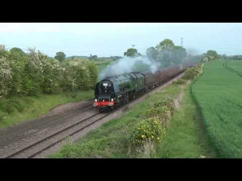 LMS 46233 'Duchess of Sutherland' at speed with 'The Oxfo...