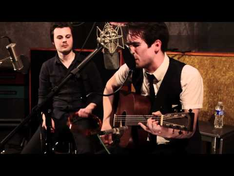 panic - Panic! At The Disco performs 