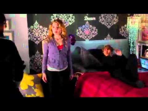 "Nine Lives of Chloe King 1x03 ""Green Star"" Sneak Peak # 2"