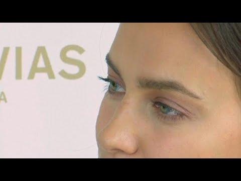 Russisches Topmodel Irina Shayk bei Brautmodenschau i ...
