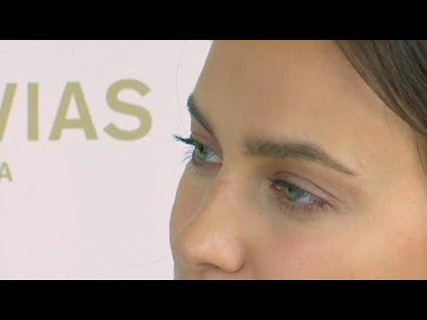 Russisches Topmodel Irina Shayk bei Brautmodenschau in  ...