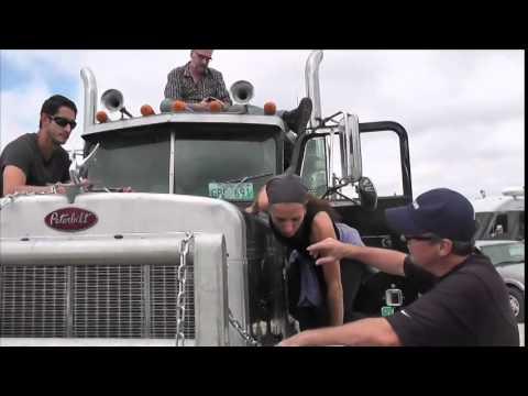 Prep on Truck Stunt Joy Ride 3.