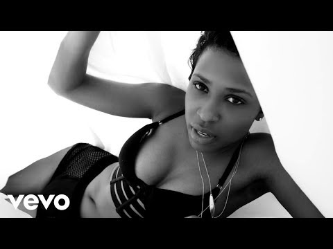 Watch a video for Dej Loaf's 'Me U & Hennessy'