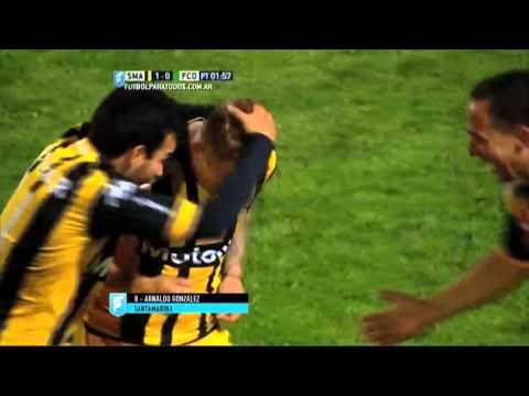 Tremendo golazo de Arnaldo González