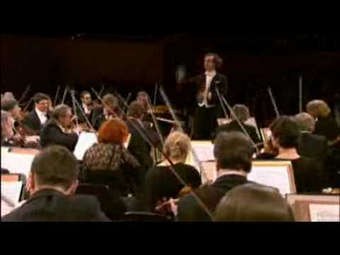 Fabio Luisi conducts Mahler and Beethoven