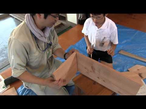 種子島の学校活動:西野小学校木工製作体験本立て作りに挑戦!