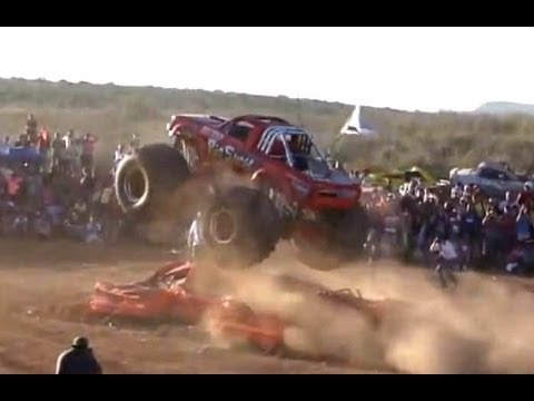 Mexico Monster truck Horrible accident Raw Footage from CHIHUAHUA