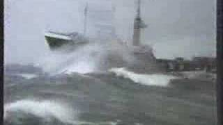 Video Smit-Lloyd 9, stormy weather MP3, 3GP, MP4, WEBM, AVI, FLV Mei 2018