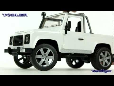 Машинка Bruder  Land Rover Pick Up