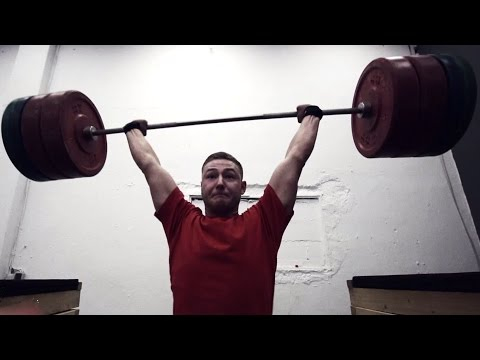 Powerlifter & Strongman Overhead Party Crashed By Weightlifter