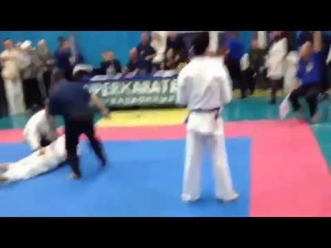 3 giây cho một trận đấu Karatedo - Quá nhanh quá nguy hiểm :))