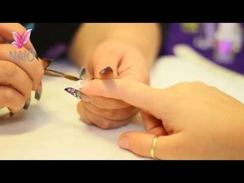 comment appliquer l'acrylique sur les ongles