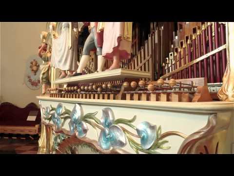 Bohemian Rhapsody Played by 100+ year old fairground organ (видео)