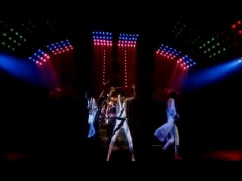 Hammer - The official 'Hammer To Fall' music video. Taken from Queen - 'Greatest Video Hits 2'. Check out the Absolute Greatest Queen Hits Playlist http://www.youtube...