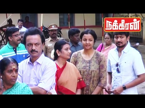 MK-STALIN-casts-his-vote-with-family-TN-Election-2016