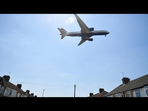 Heathrow: Umstrittener Flughafenausbau vom Parlamen ...