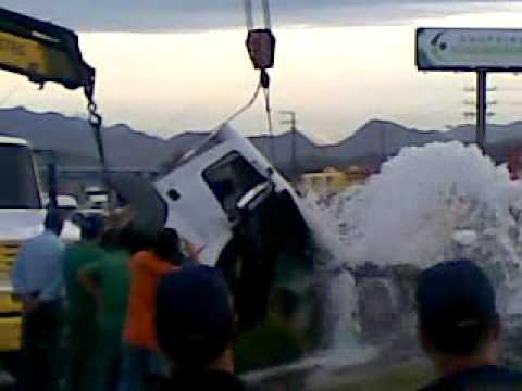 acidente em palhoça, BR-101, dia 15/04/2011