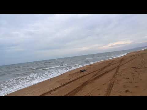 Спуск на пляж в Кучугурах