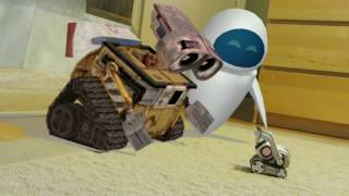 Video COZMO meets his parents WALL-E and EVE for the first time! MP3, 3GP, MP4, WEBM, AVI, FLV Juni 2018