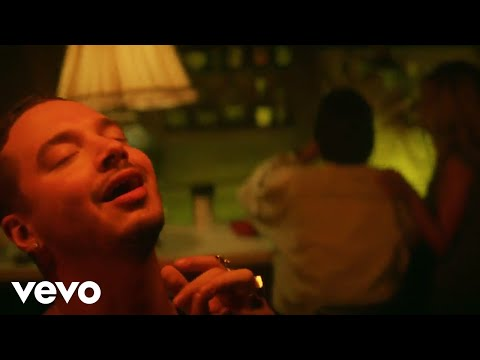 Safari - J Balvin (Video)