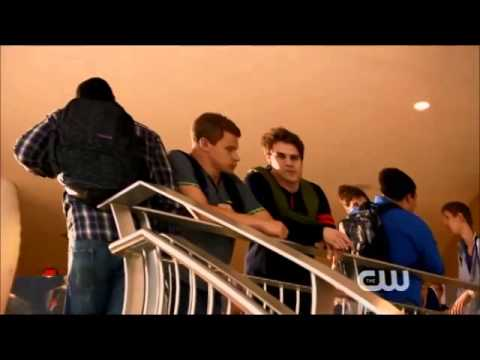 Star-Crossed - emery and grayson first see each other