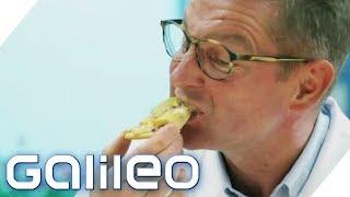 Pizza mit Chips - schmeckt das? | Galileo | ProSieben