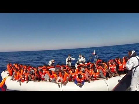 Ιταλία: Αυξάνονται οι αφίξεις μεταναστών – Συνεχείς επιχειρήσεις διάσωσης