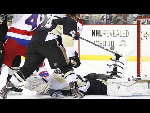 Video: Fleury makes spectacular flailing toe save