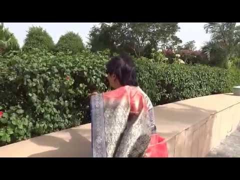 Aruna & Hari Sharma walking in hot summer Radisson Blu Udaipur Palace Resort, Rajast… видео