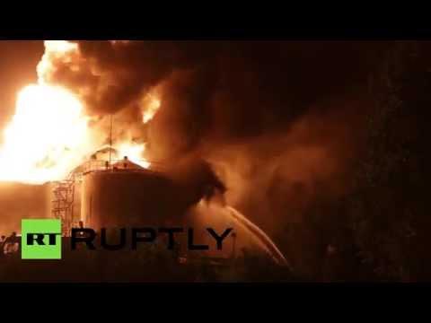 Cháy dữ dội gây nổ lớn tại kho xăng gần Kiev