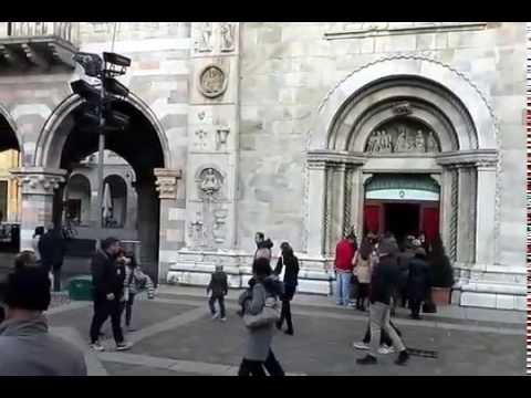 Duomo di Como, campane a festa per il saluto al vescovo Diego