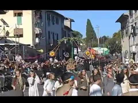 Silata di carri e teatro di strada per San Michele 2014