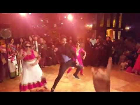 Kala Chashma | Baar Baar Dekho | Wedding dance:  Karan Pangali and his sisters do an impromptu performance for family and friends ?#?KalaChashma? ?#?familydance? ?#?USA? ?#?California? ?#?wedding?www.kspark.co.ukFacebook: Karan's Bollywood MasterclassTwitter: @KSPARKKaran