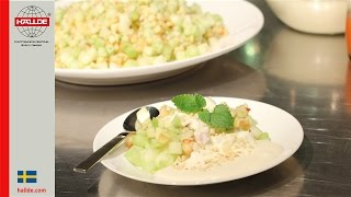 Applesalad with melon and vanilla cream