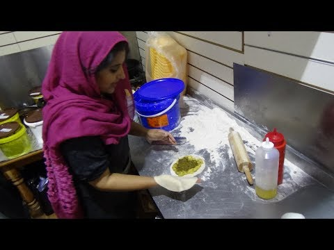 Fully Loaded Aloo & Saag Paratha for £2.50 - Indian / Pakistan Street Food by Tazza Spices (Part 1).