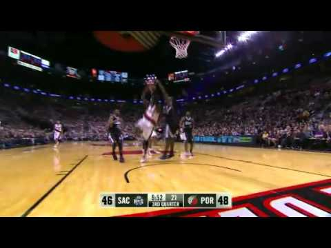 Gerald Wallace one-on-two against Kings