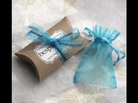 Packaging - http://jewelrytutorialhq.com/make-your-own-pillow-boxes-handmade-packaging-tutorial/ (click for materials list & free printable pillow box template) Making y...