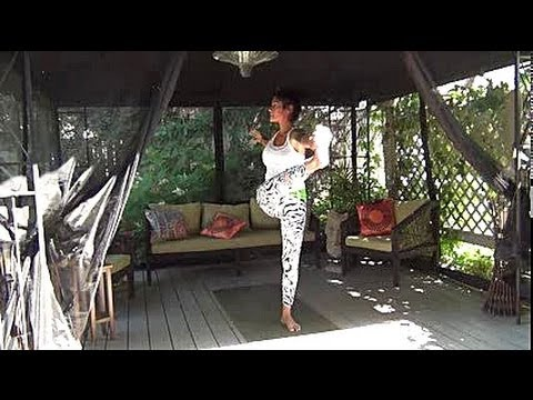 30 min. Creative Vinyasa Yoga Flow with Arm Balances and Inversions