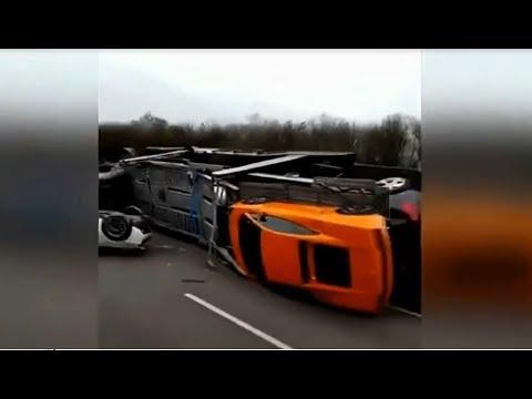 xe tải chở siêu xe gặp nạn lật xe trên cao tốc (lamborghini-ferrari-mclaren0 - Thời lượng: 10 phút.