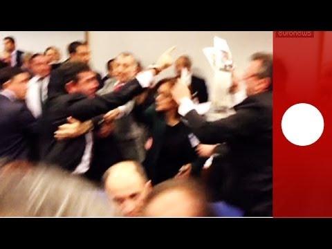 Bagarre générale au Parlement turc pour une réforme controversée de la justice