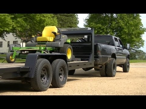 Gooseneck - Quick video of hooking up the gooseneck and then loading the John Deere 757 ZTRAK.