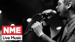 Kasabian Perform Rare Stripped-Back 'Underdog' At The NME Awards 2015, With Austin, Texas Launch