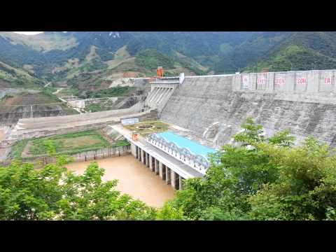 Thủy điện Sơn La (nhìn từ đài quan sát)